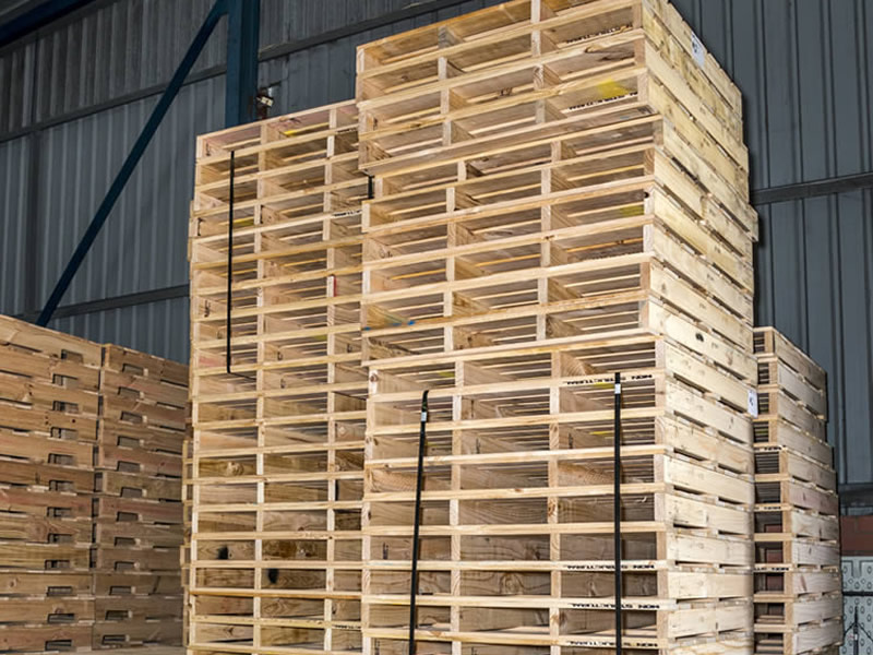 Timber pallets and Skids